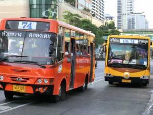 エアコンなしのバス